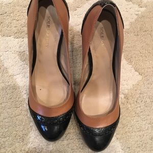 Sole society Black and Tan heels